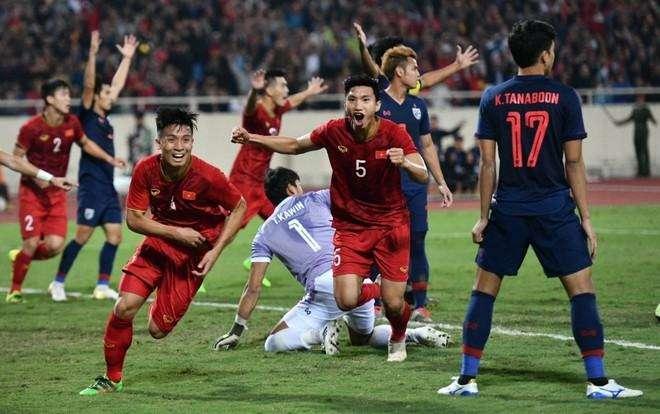 Tuyển Việt Nam mừng hụt vì bàn thắng không được công nhận của Bùi Tiến Dũng. Ảnh: Việt Linh.