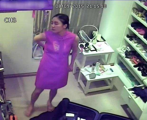 Văn Mai Hương bất ngờ bị tấn công camera và lộ nhiều hình ảnh nhạy cảm lên mạng xã hội.