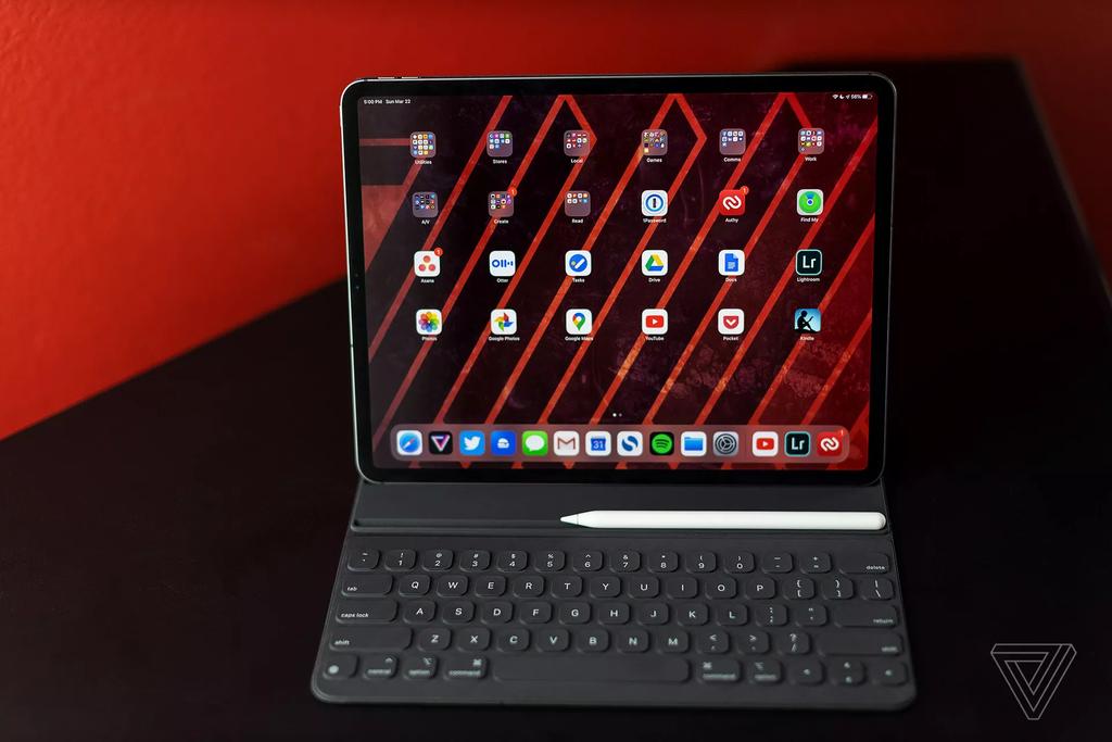 Màn hình của iPad Pro có tần số quét 120 Hz. Ảnh: The Verge.