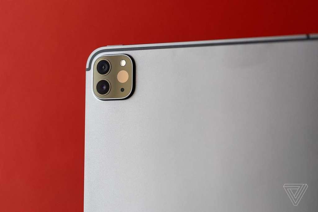 Cụm camera sau của iPad Pro 11 inch 2020 có hình vuông khá giống iPhone 11. Ảnh: The Ver