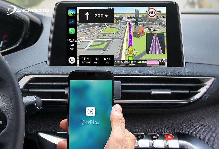 Việt kết nối Iphone với ô tô qua Apple CarPlay tiện lợi hơn rất nhiều